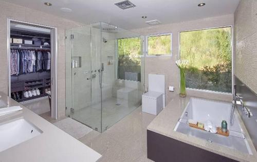 Walk-in-closet-and-bathroom-ideas-photo-10