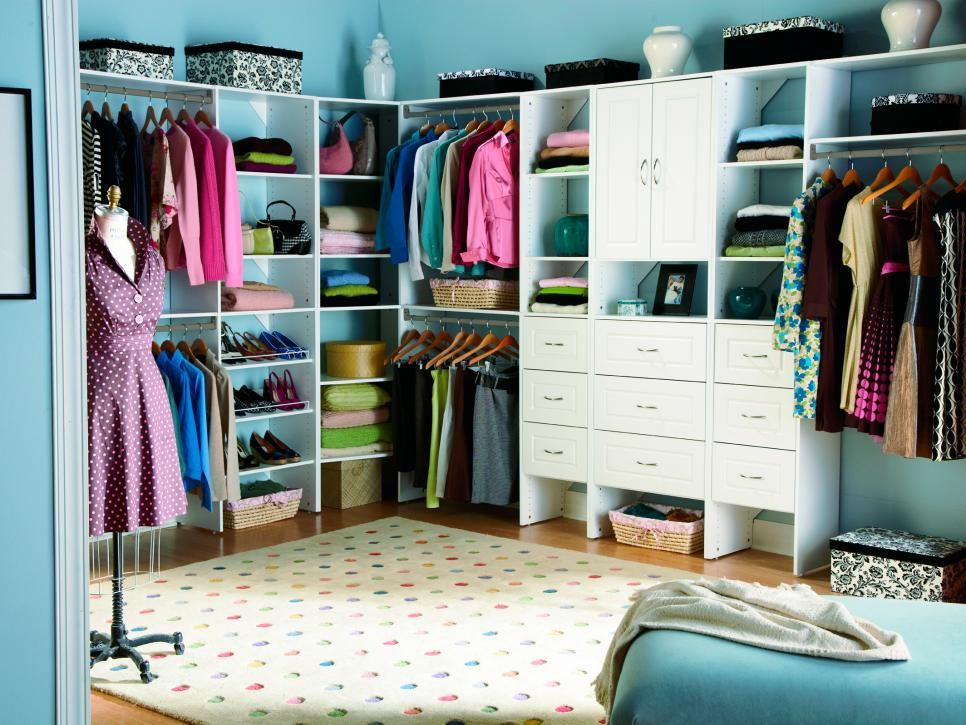 walk-in-closet-decorating-ideas-photo-15