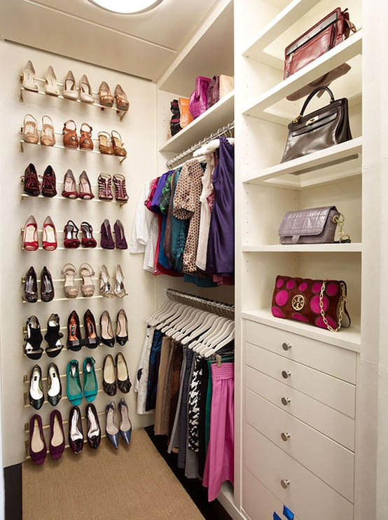 walk-in-closet-decorating-ideas-photo-9