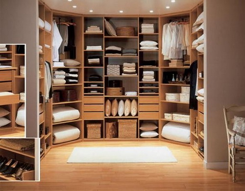 Walk-in-closet-designs-for-a-master-bedroom-photo-10