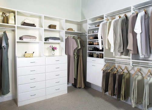 Walk-in-closet-designs-for-a-master-bedroom-photo-9