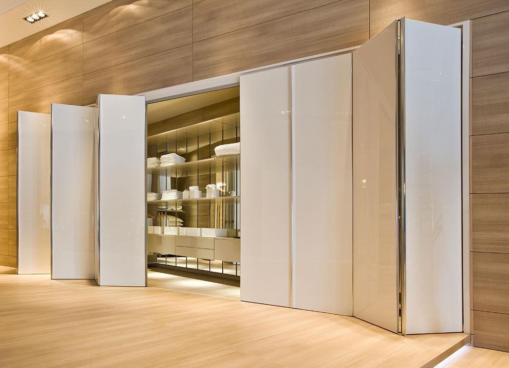 Walk-in-closet-dimensions-small-9