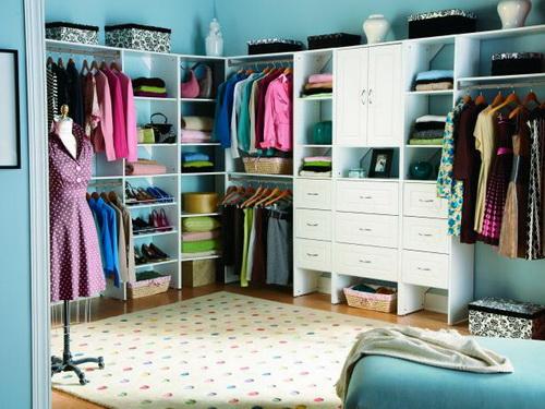 Walk-in-closet-small-bedroom-photo-10