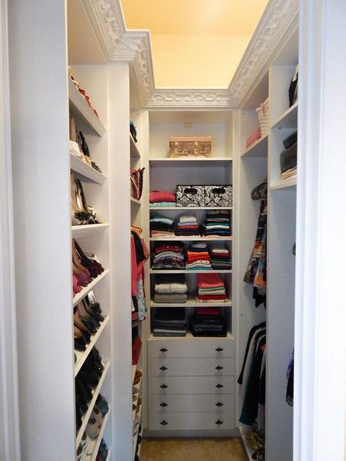 Walk-in-closet-small-bedroom-photo-7