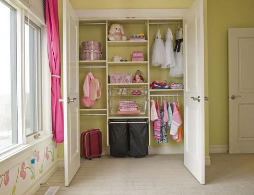 Walk-in-closet-small-bedroom-photo-8
