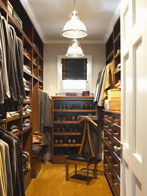 Walk-in-closet-small-bedroom-photo-9