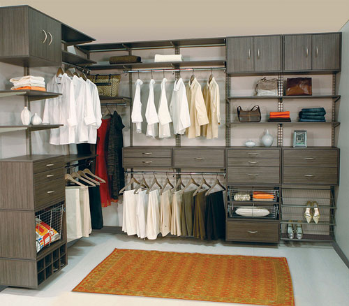 walk-in-linen-closet-design-photo-13