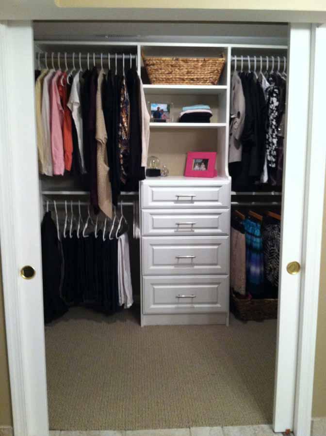 walk-in-linen-closet-design-photo-16