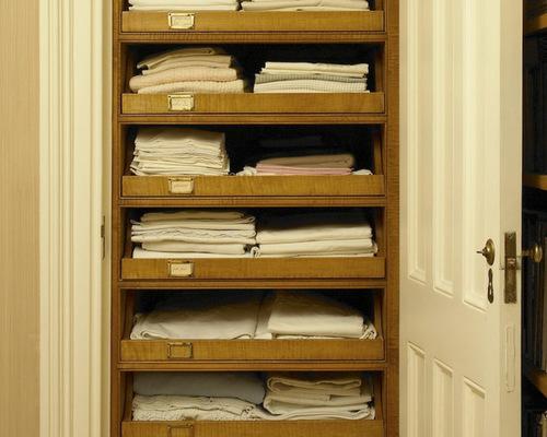 walk-in-linen-closet-design-photo-18