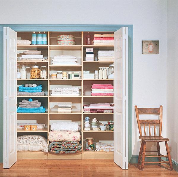 walk-in-linen-closet-design-photo-4