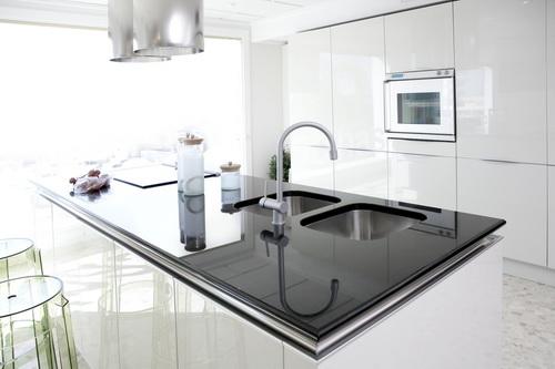 White-Modern-Kitchen-photo-22