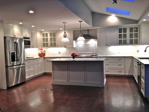 White-kitchen-cabinets-from-lowes-photo-10