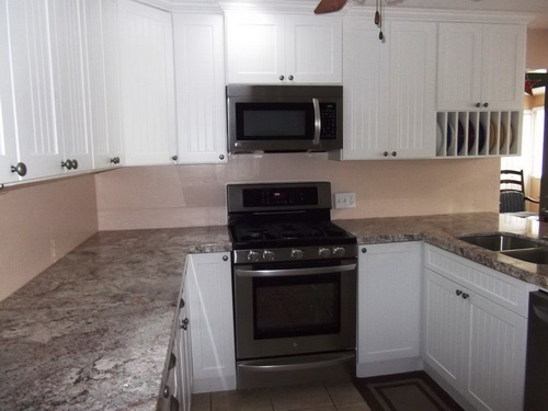 White-kitchen-cabinets-from-lowes-photo-8
