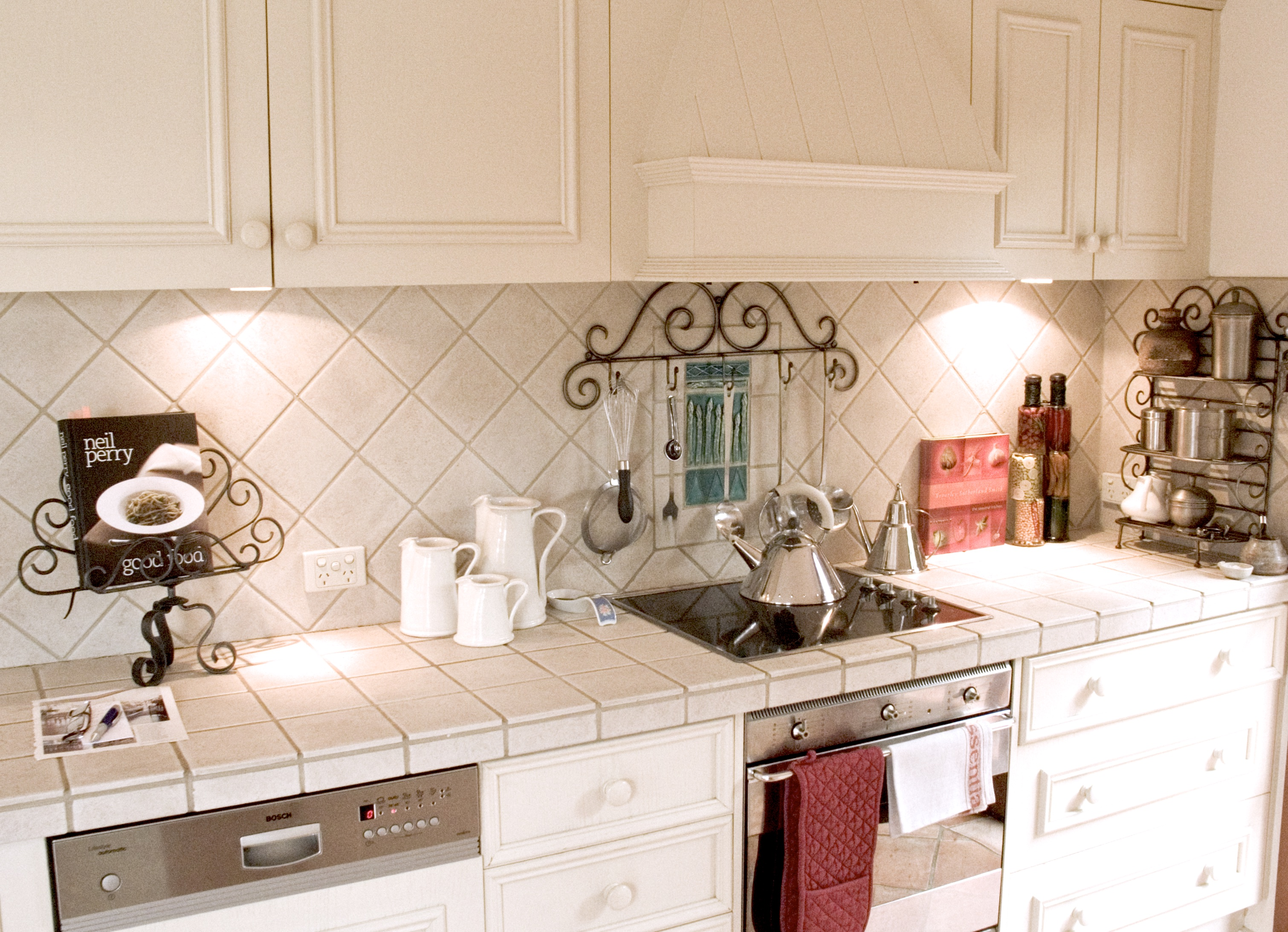 20 Things to consider before making French country kitchen ...