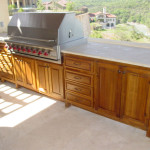 Outdoor kitchen wood cabinets – your best and easy outdoor furniture
