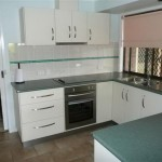 U-shaped kitchen – Large working space that runs freely
