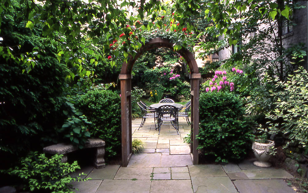 Victorian garden design ideas – the new technology of beauty of your backyard