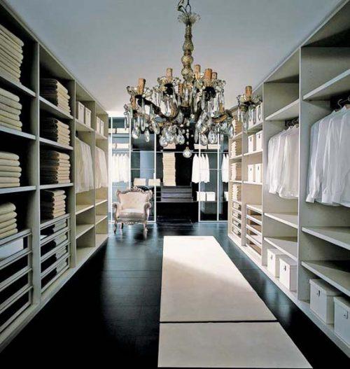 huge-walk-in-closet-home-photo-14