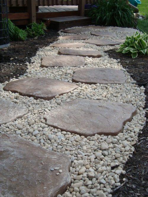 river-rock-garden-edging-photo-18