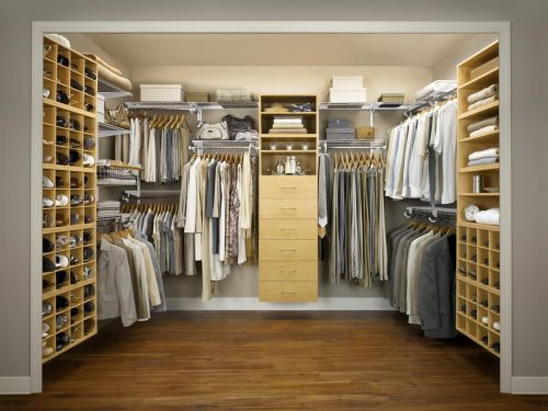 walk-in-closet-designs-for-a-master-bedroom-photo-11
