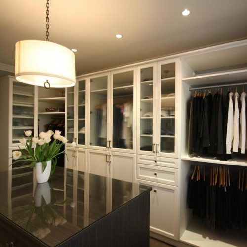 walk-in-closet-designs-for-a-master-bedroom-photo-12