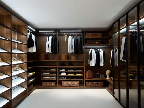 walk-in-closet-designs-for-a-master-bedroom-photo-17