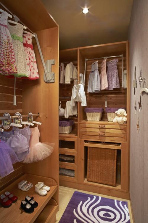 walk-in-closet-small-bedroom-photo-17