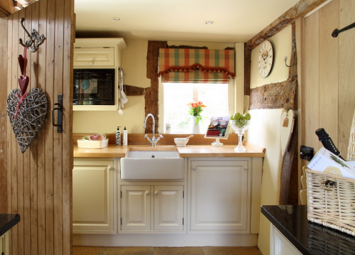 country-cottage-kitchen-design-photo-14