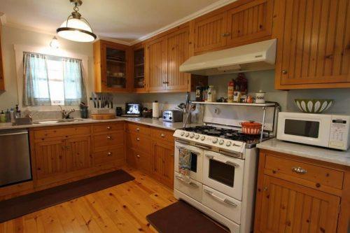 country-cottage-kitchen-design-photo-19