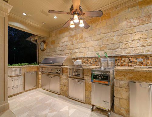 outdoor-kitchen-ventilation-photo-20