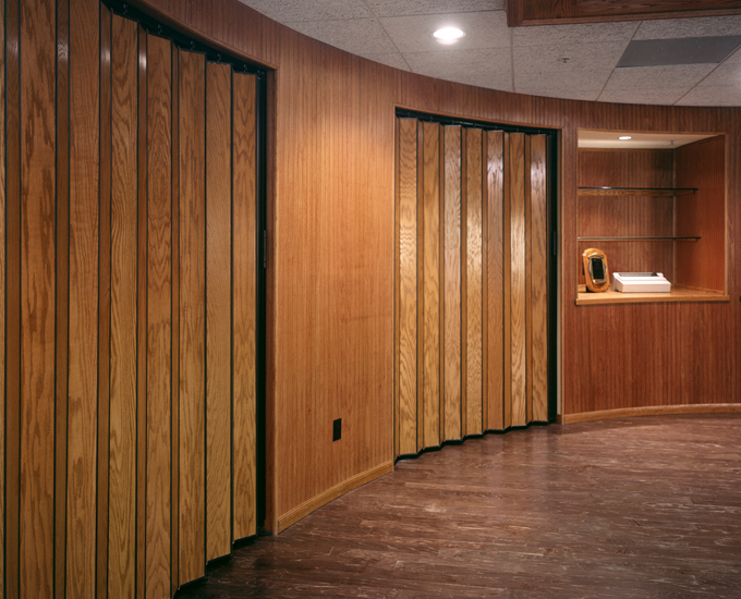 accordion closed door photo - 3