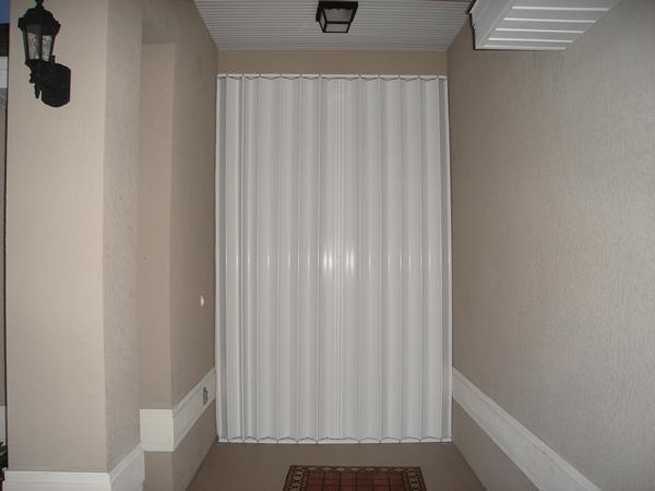 accordion closed door photo - 5