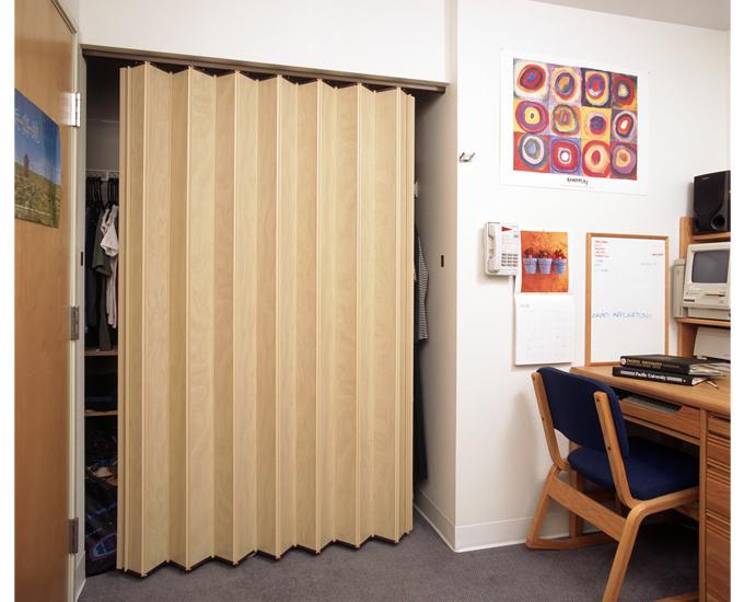 accordion closed door photo - 6