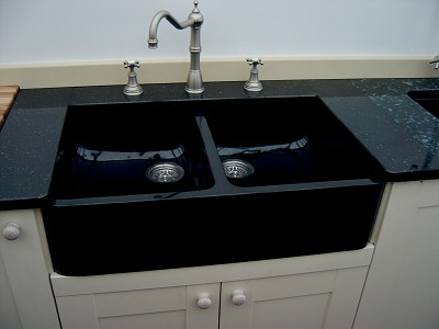 black granite belfast sink photo - 3