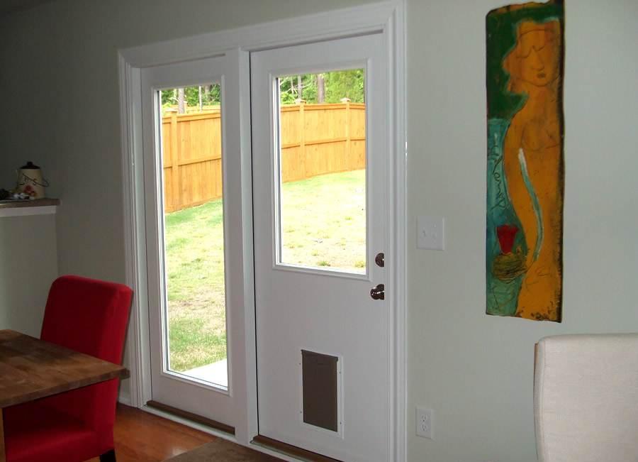 door with built in dog door photo - 5