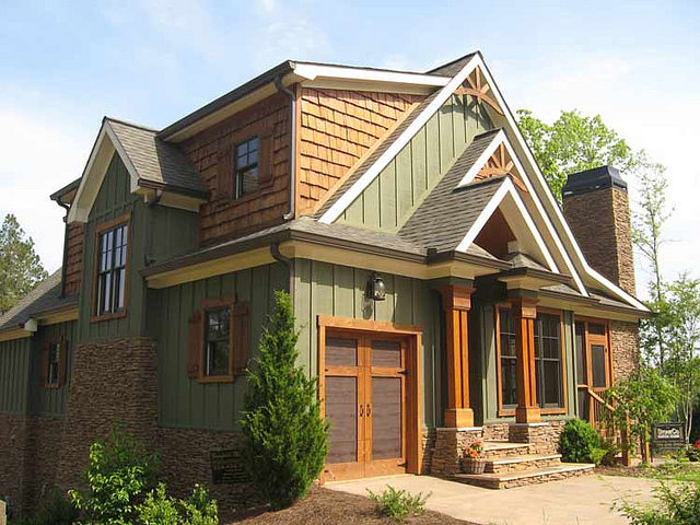 exterior paint colors rustic homes photo - 2
