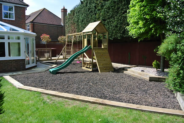 garden design ideas with children's play area photo - 3