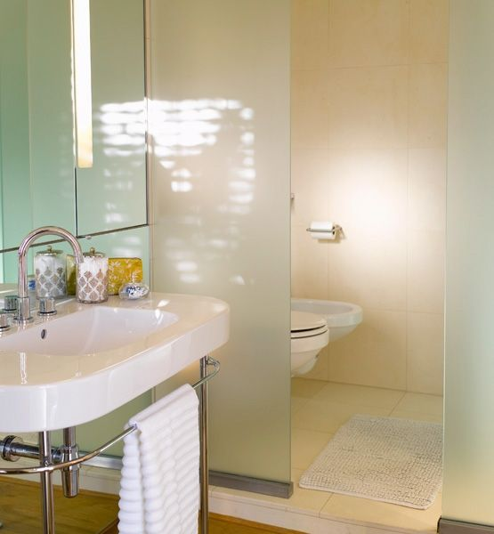 glass wall dividers bathroom photo - 2