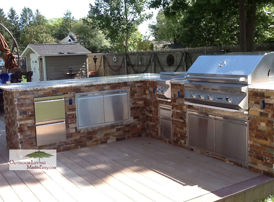 outdoor kitchen on deck photo - 2