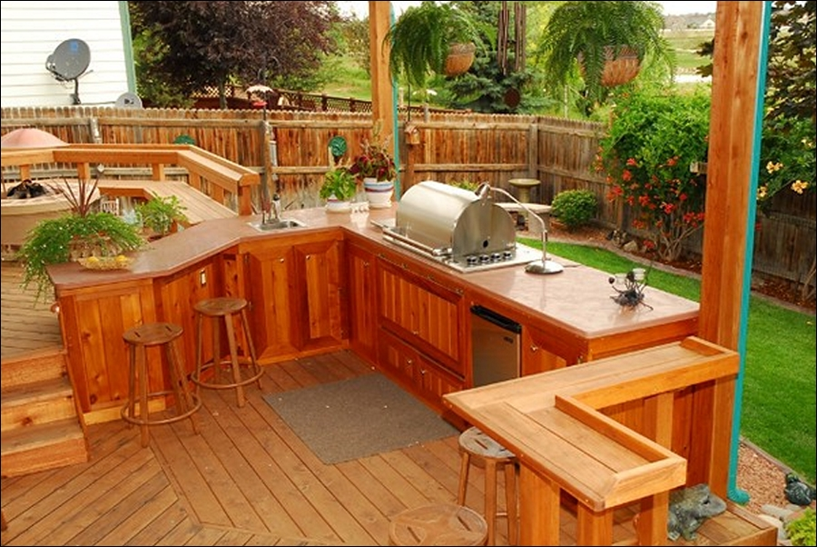 outdoor kitchen on deck photo - 4