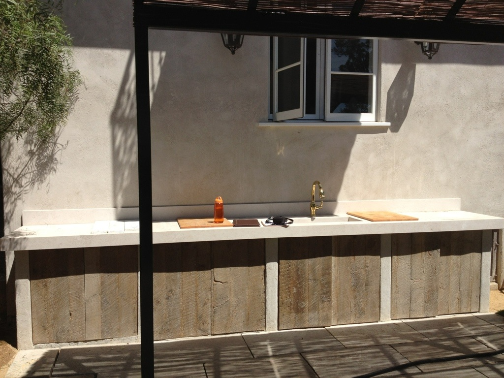 outdoor kitchen wood cabinets photo - 3