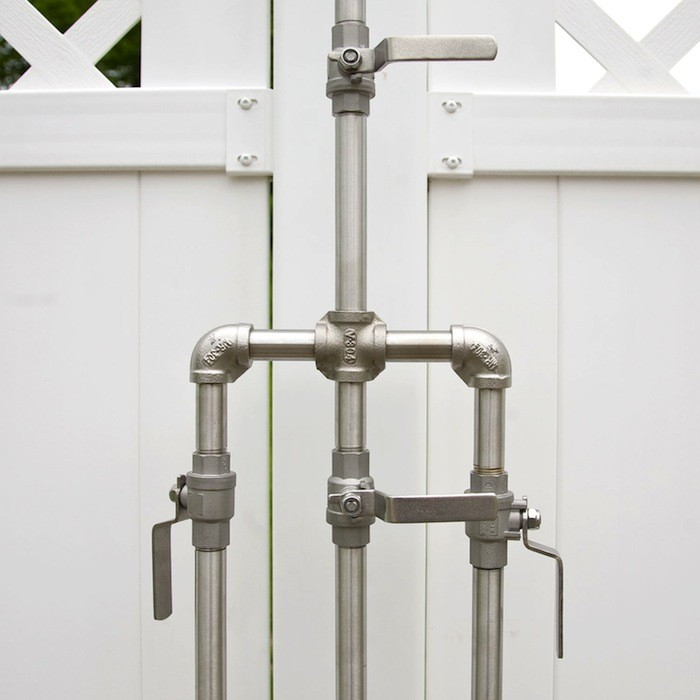 outdoor shower fixtures photo - 2