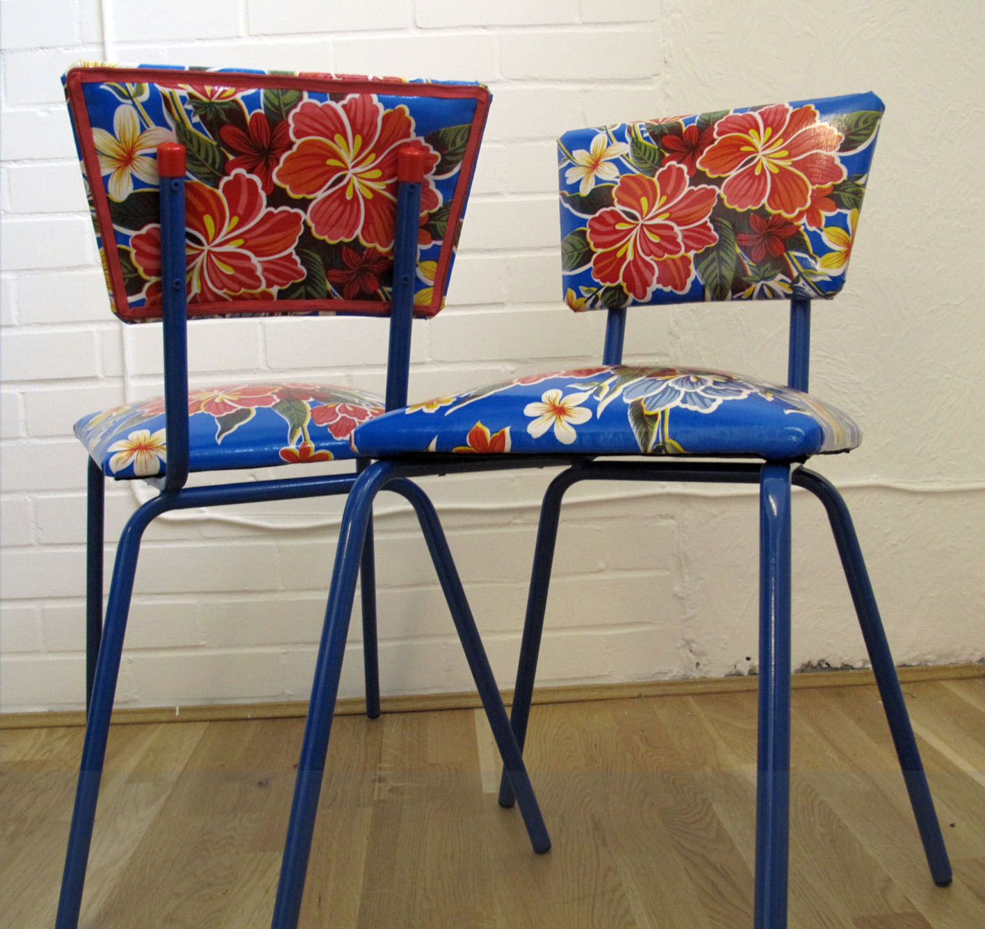 retro kitchen chairs photo - 1