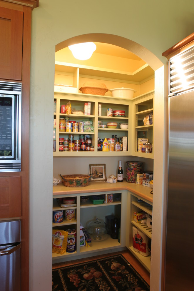 small kitchen open pantry photo - 5