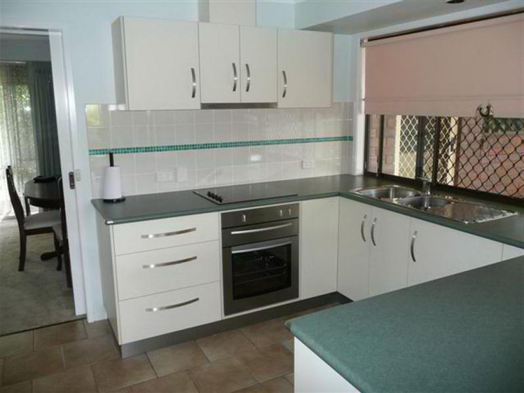 this old house u shaped kitchen photo - 1