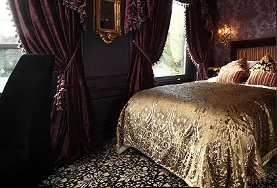 victorian gothic bedroom furniture photo - 5