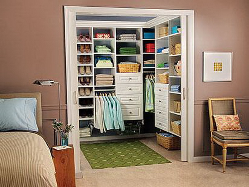walk in closet dimensions small photo - 3