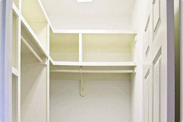 walk in closet dimensions small photo - 5