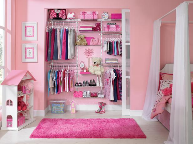 walk in linen closet design photo - 4