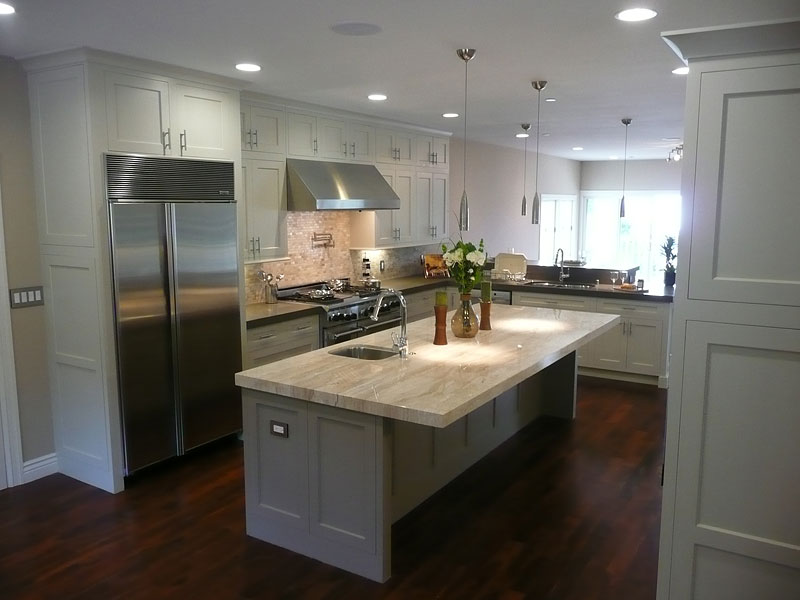 white kitchen cabinets from lowes photo - 3